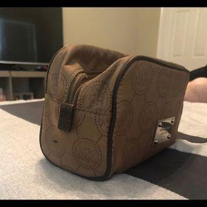 Michael kors cosmetic Bag
